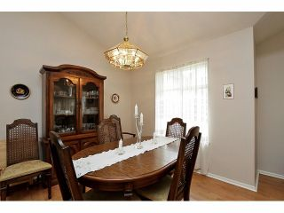"""Photo 6: 115 19649 53RD Avenue in Langley: Langley City Townhouse for sale in """"Huntsfield Green"""" : MLS®# F1406703"""