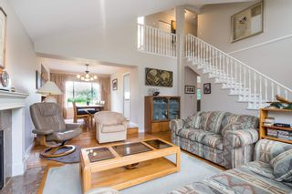 Photo 2: 15329 28A Avenue in Surrey: King George Corridor House for sale (South Surrey White Rock)  : MLS®# R2602714