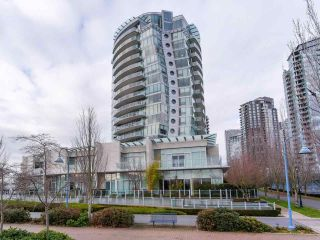 "Photo 1: 268 BEACH Crescent in Vancouver: Yaletown Townhouse for sale in ""Ericson"" (Vancouver West)  : MLS®# R2530235"
