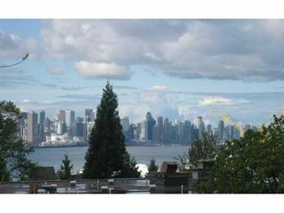 Photo 1: 211 360 2ND Street E in North Vancouver: Home for sale : MLS®# V917487