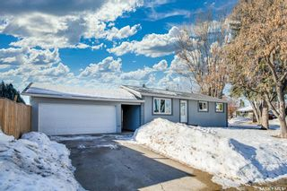 Photo 1: 156 Simon Fraser Crescent in Saskatoon: West College Park Residential for sale : MLS®# SK844498