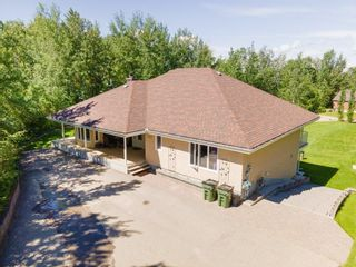 Photo 2: 5631 49 Street: Rural Lac Ste. Anne County House for sale : MLS®# E4233929