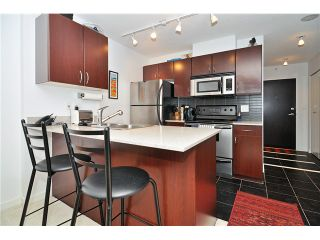 Photo 3: # 1332 938 SMITHE ST in Vancouver: Downtown VW Condo for sale (Vancouver West)  : MLS®# V1035415