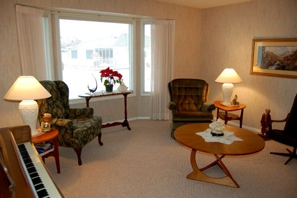 Photo 4: Photos: 204 Hummingbird Lane in Penticton: North Residential Detached for sale : MLS®# 112275