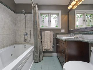 """Photo 16: 4120 MAPLE Crescent in Vancouver: Quilchena House for sale in """"Quilchena"""" (Vancouver West)  : MLS®# R2552052"""