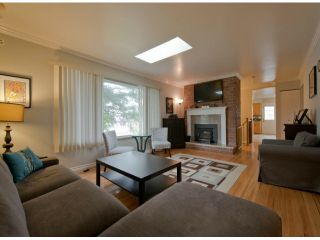 Photo 3: 15820 ROPER Avenue: White Rock House for sale (South Surrey White Rock)  : MLS®# F1431370