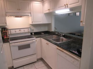 """Photo 5: 106 177 W 5TH Street in North Vancouver: Lower Lonsdale Condo for sale in """"The Jade"""" : MLS®# R2563159"""
