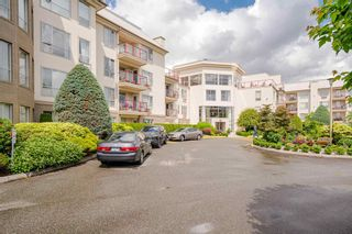 Photo 1: 211 2626 COUNTESS Street: Condo for sale in Abbotsford: MLS®# R2594298