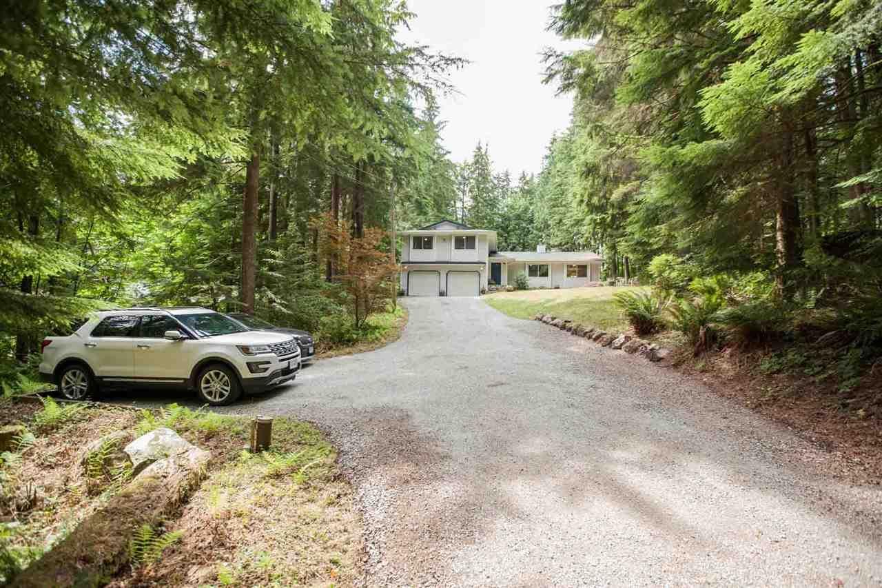 Main Photo: 12115 ROTHSAY Street in Maple Ridge: Whonnock House for sale : MLS®# R2390344