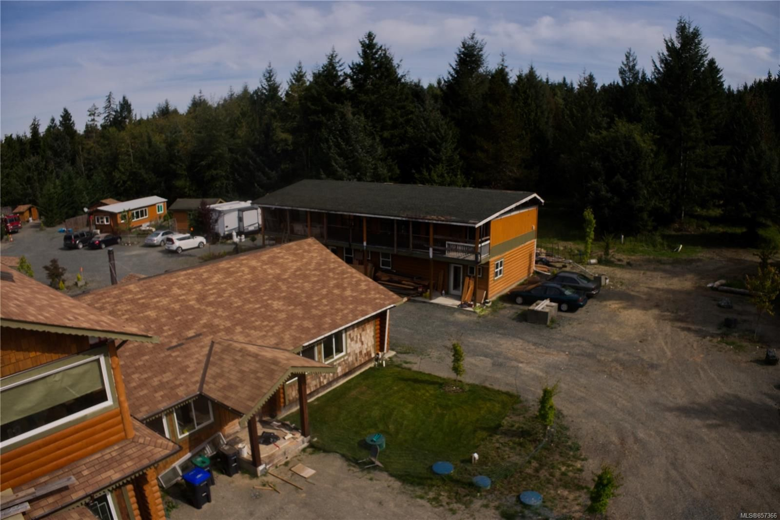 Photo 4: Photos: 1747 Nahmint Rd in : PQ Qualicum North Mixed Use for sale (Parksville/Qualicum)  : MLS®# 857366