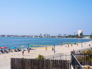 Photo 5: PACIFIC BEACH Condo for sale : 2 bedrooms : 1235 Parker Place #1F in San Diego