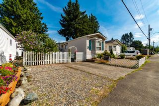 """Photo 2: 4 6338 VEDDER Road in Chilliwack: Sardis East Vedder Rd Manufactured Home for sale in """"MAPLE MEADOWS"""" (Sardis)  : MLS®# R2608417"""