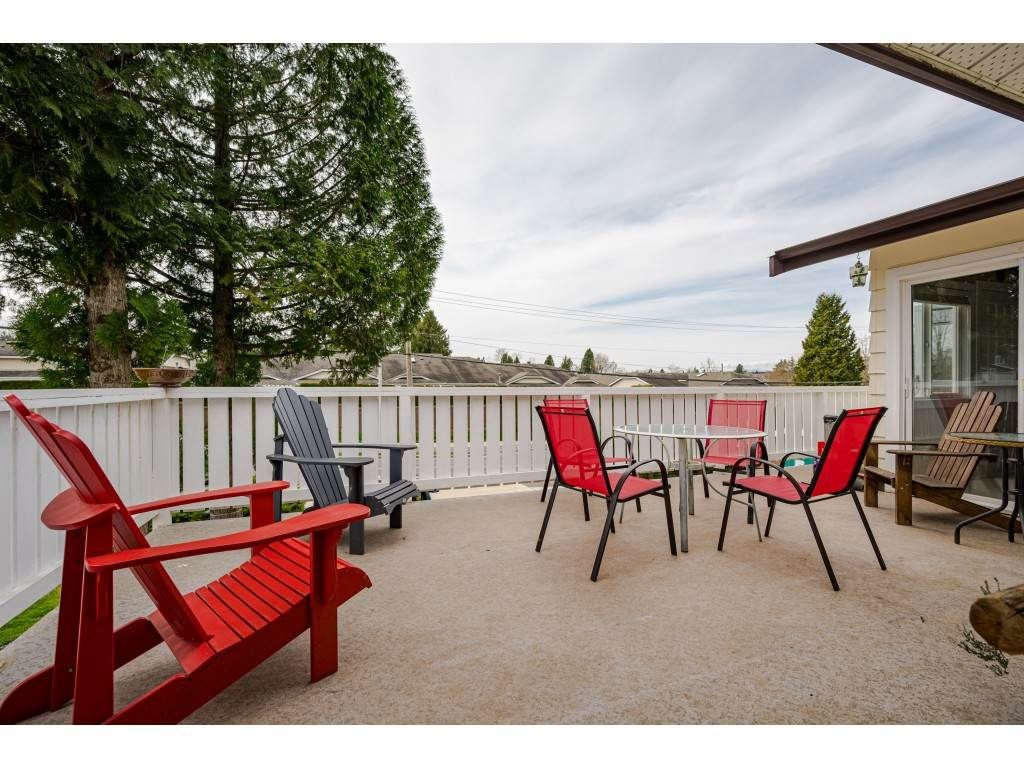 Photo 23: Photos: 20305 50 AVENUE in Langley: Langley City House for sale : MLS®# R2561802