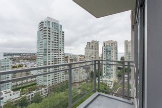 """Photo 15: 1504 1455 HOWE Street in Vancouver: Yaletown Condo for sale in """"POMARIA"""" (Vancouver West)  : MLS®# R2387626"""