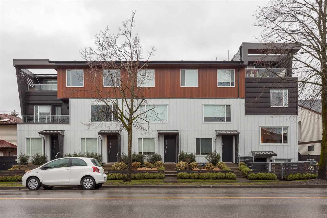 "Main Photo: 106 453 E 16TH Avenue in Vancouver: Mount Pleasant VE Townhouse for sale in ""Skala"" (Vancouver East)  : MLS®# R2139017"