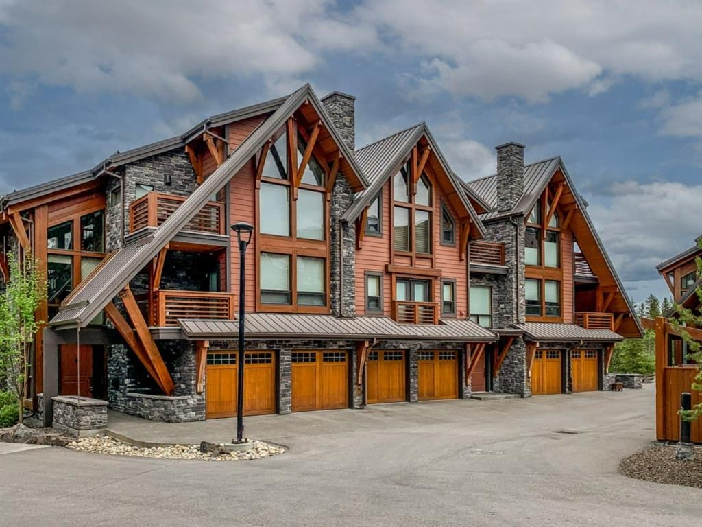 Main Photo: 101 2100D Stewart Creek Drive: Canmore Row/Townhouse for sale : MLS®# A1121023