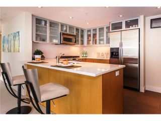 """Photo 3: 2804 1205 W HASTINGS Street in Vancouver: Coal Harbour Condo for sale in """"CIELO"""" (Vancouver West)  : MLS®# V1026183"""