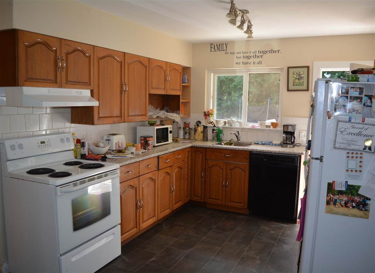 Photo 9: Photos: 8041 WILDWOOD Road in Halfmoon Bay: Halfmn Bay Secret Cv Redroofs 1/2 Duplex for sale (Sunshine Coast)  : MLS®# R2261950