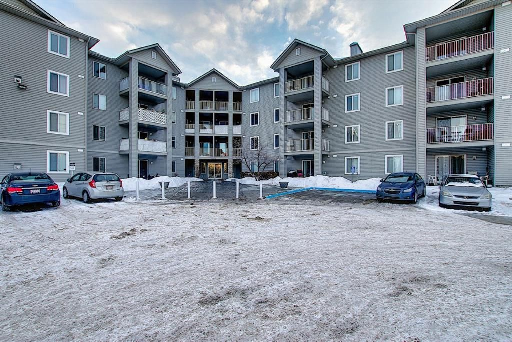 Main Photo: 1315 604 8 Street SW: Airdrie Apartment for sale : MLS®# A1070939