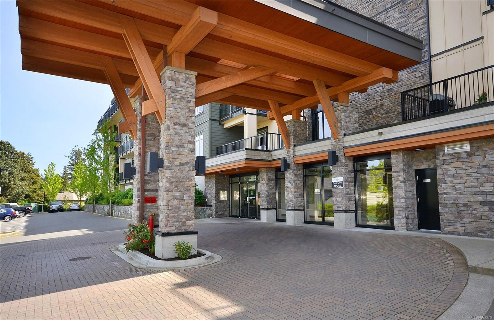 Main Photo: 422 623 Treanor Ave in Langford: La Thetis Heights Condo for sale : MLS®# 863979