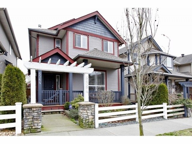 Main Photo: 6564 193A Street in Surrey: Clayton House for sale (Cloverdale)  : MLS®# F1306851