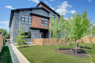 Photo 2: 4 10237 149 Street in Edmonton: Zone 21 Townhouse for sale : MLS®# E4256863