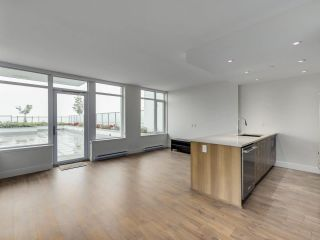 """Photo 4: 807 258 NELSON'S Court in New Westminster: Sapperton Condo for sale in """"THE COLUMBIA"""" : MLS®# R2575801"""