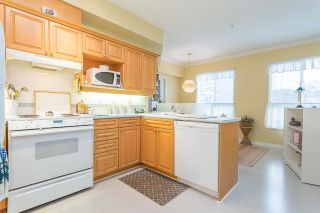 "Photo 6: 244 3098 GUILDFORD Way in Coquitlam: North Coquitlam Condo for sale in ""MALBOROUGH HOUSE"" : MLS®# R2143623"