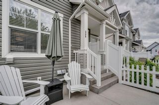 Photo 4: 385 Elgin Gardens SE in Calgary: McKenzie Towne Row/Townhouse for sale : MLS®# A1115292