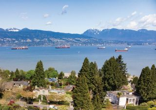 Photo 1: 4714 DRUMMOND Drive in Vancouver: Point Grey House for sale (Vancouver West)  : MLS®# R2571481