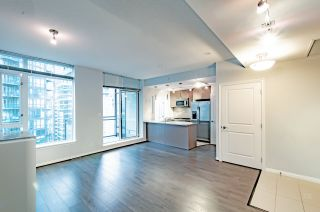 "Photo 6: 2001 1211 MELVILLE Street in Vancouver: Coal Harbour Condo for sale in ""RITZ"" (Vancouver West)  : MLS®# R2559926"