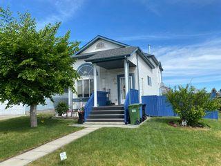 Main Photo: 29 Saratoga Close NE in Calgary: Monterey Park Detached for sale : MLS®# A1126399