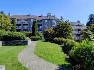 """Photo 18: 401 1050 BOWRON Court in North Vancouver: Roche Point Condo for sale in """"Parkway Terrace"""" : MLS®# R2415471"""