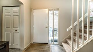 Photo 4: 93 1815 Varsity Estates Drive NW: Calgary Row/Townhouse for sale : MLS®# A1039353
