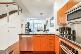 """Photo 7: 1243 SEYMOUR Street in Vancouver: Downtown VW Townhouse for sale in """"elan"""" (Vancouver West)  : MLS®# R2519042"""