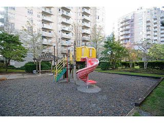 Photo 15: 403 4950 MCGEER STREET in Vancouver: Collingwood VE Condo for sale (Vancouver East)  : MLS®# V1142563