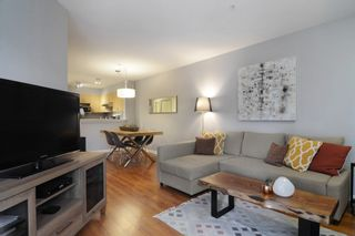 """Photo 9: 212 147 E 1ST Street in North Vancouver: Lower Lonsdale Condo for sale in """"The Coronado"""" : MLS®# R2136630"""