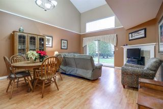 """Photo 2: 126 1386 LINCOLN Drive in Port Coquitlam: Oxford Heights Townhouse for sale in """"MOUNTAIN PARK VILLAGE"""" : MLS®# R2224532"""