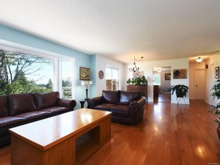 Photo 3: 3389 Mary Anne Cres in Colwood: Co Triangle House for sale : MLS®# 855310