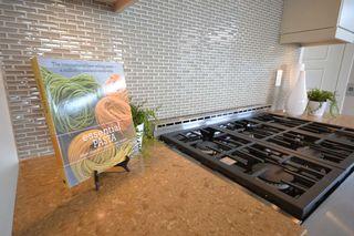 Photo 6: 15531 COLUMBIA Avenue: White Rock House for sale (South Surrey White Rock)  : MLS®# R2012260