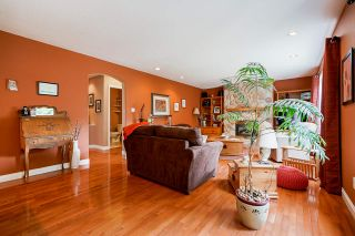 """Photo 7: 7319 146A Street in Surrey: East Newton House for sale in """"Chimney Heights"""" : MLS®# R2491156"""