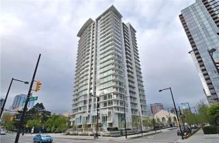 """Photo 1: 1908 161 W GEORGIA Street in Vancouver: Downtown VW Condo for sale in """"COSMO"""" (Vancouver West)  : MLS®# R2048438"""