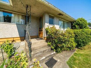 Photo 6: 4955 LORRAINE Avenue in Burnaby: Central Park BS Duplex for sale (Burnaby South)  : MLS®# R2597969