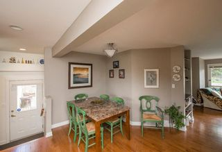 Photo 10: 127 Wedgewood Drive SW in Calgary: Wildwood Detached for sale : MLS®# A1056789