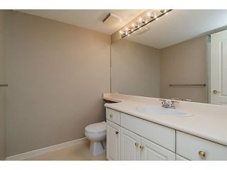 "Photo 9: 101 17730 58A Avenue in Surrey: Cloverdale BC Condo for sale in ""Derby Downs"" (Cloverdale)  : MLS®# F1450852"