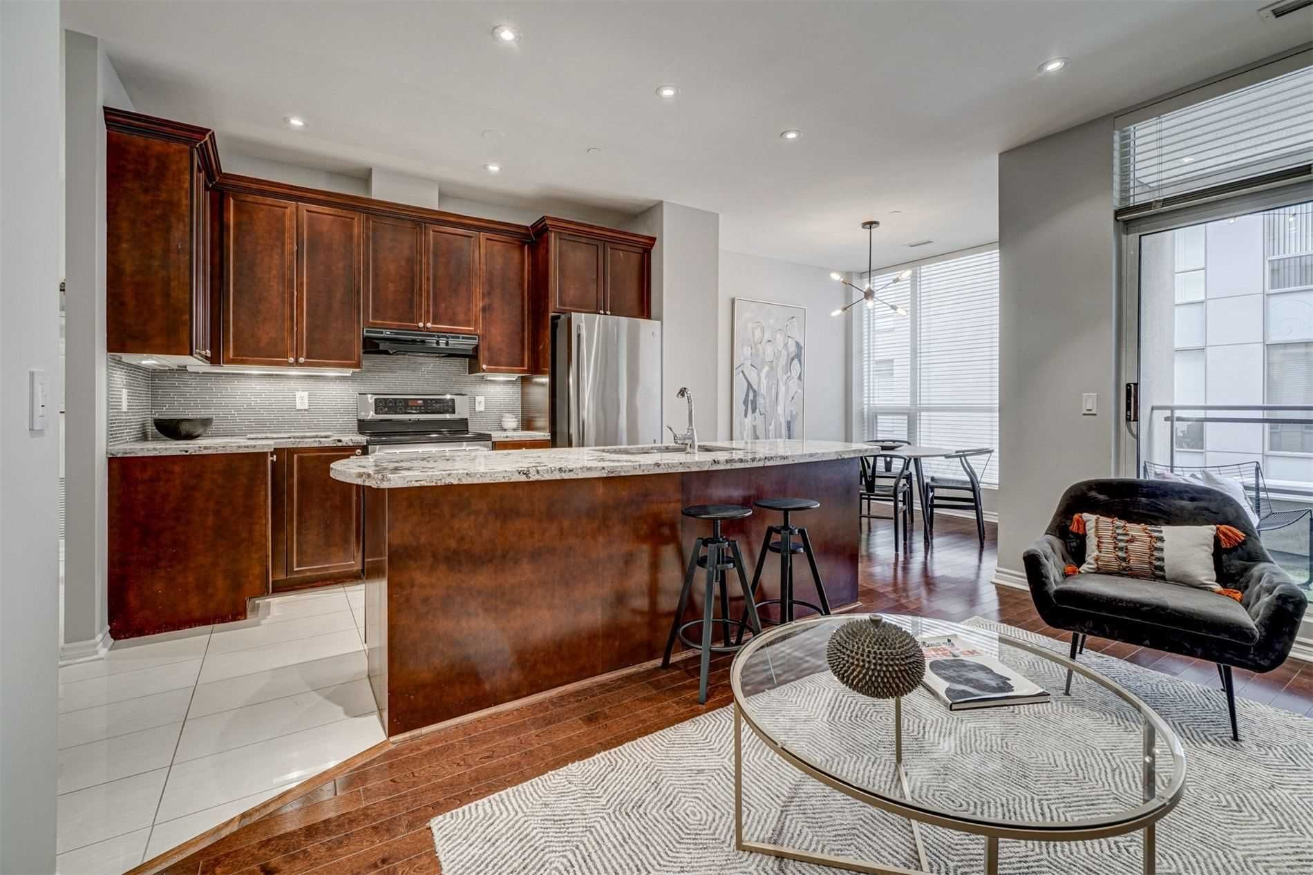 Main Photo: 407 980 Yonge Street in Toronto: Yonge-St. Clair Condo for sale (Toronto C02)  : MLS®# C5089034