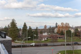 """Photo 14: 406 22087 49 Avenue in Langley: Murrayville Condo for sale in """"Belmont"""" : MLS®# R2367757"""