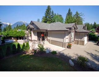 Photo 1: 40399 PERTH Drive in Squamish: Garibaldi Highlands House for sale : MLS®# V769624