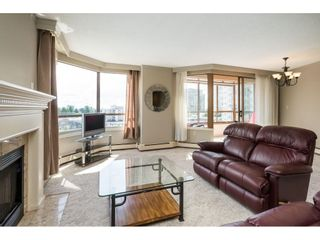 """Photo 11: 812 15111 RUSSELL Street: White Rock Condo for sale in """"PACIFIC TERRACE"""" (South Surrey White Rock)  : MLS®# R2593508"""
