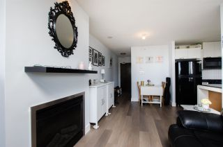 """Photo 6: 1307 151 W 2ND Street in North Vancouver: Lower Lonsdale Condo for sale in """"The Sky"""" : MLS®# R2439963"""
